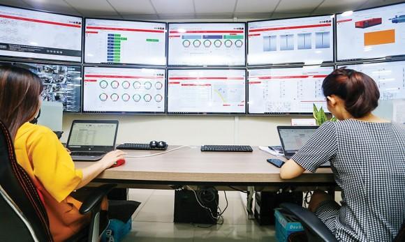 Trung tâm Giám sát điều hành thông minh  tại Công viên phần mềm Quang Trung. Ảnh: HOÀNG HÙNG