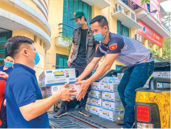 Cộng đồng Ford Việt Nam đi đầu trong công tác chống dịch Covid-19 ảnh 1