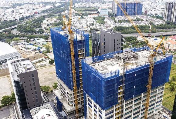 Hòa Bình cất nóc vượt tiến độ công trình Cobi Tower I&II