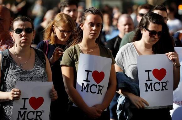 Vụ đánh bom tại Manchester: Cảnh sát bắt giữ thêm hai nghi can ảnh 1