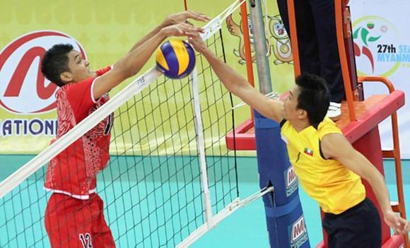 Bóng chuyền Indonesia (trái) sẽ là thế lực đáng nể tại SEA Games 29. Ảnh: HÀ HƯNG