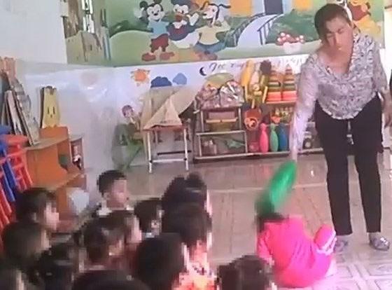 Vụ bạo hành trẻ tại Lớp mẫu giáo Mầm Xanh: Hai bảo mẫu ra trình diện ảnh 3