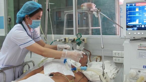 Bệnh nhân đang điều trị uốn ván tại BV Bệnh nhiệt đới TPHCM