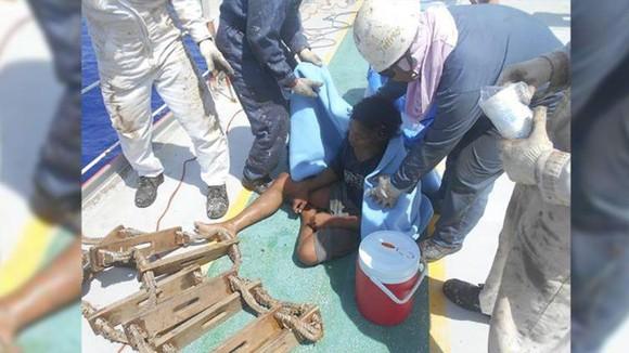 Thiếu niên Indonesia được giải cứu sau 49 ngày trôi dạt trên biển ảnh 2