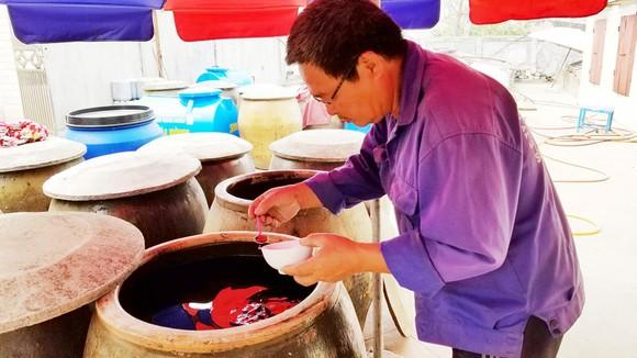 Thăng trầm nước mắm truyền thống - Bài 1: Giọt mặn mòi của biển ảnh 1