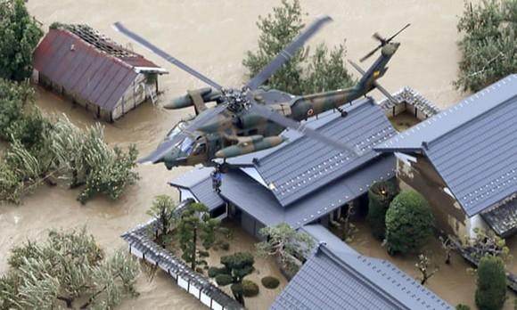 Nhật Bản tan hoang sau siêu bão Hagibis ảnh 8