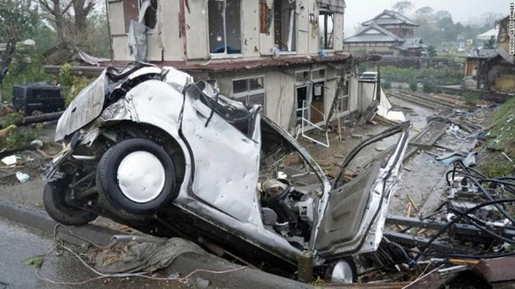 Nhật Bản tan hoang sau siêu bão Hagibis ảnh 2