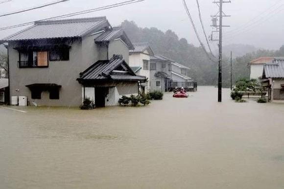 Nhật Bản tan hoang sau siêu bão Hagibis ảnh 22