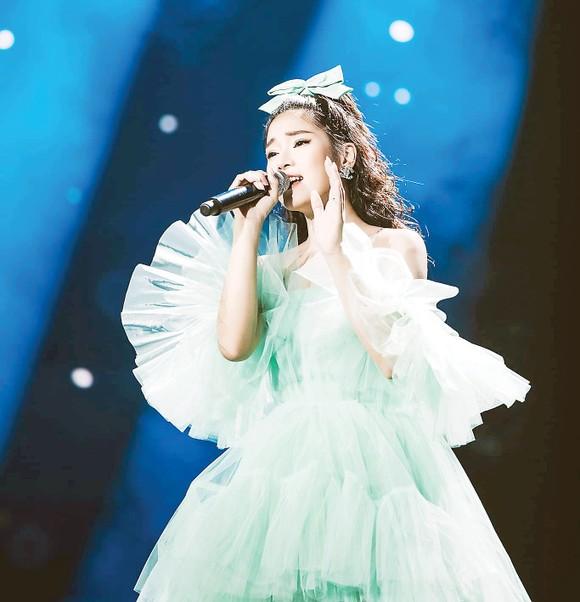 Hé lộ dàn ca sĩ biểu diễn trong đêm Gala Ngôi Sao Xanh 2019 ảnh 1