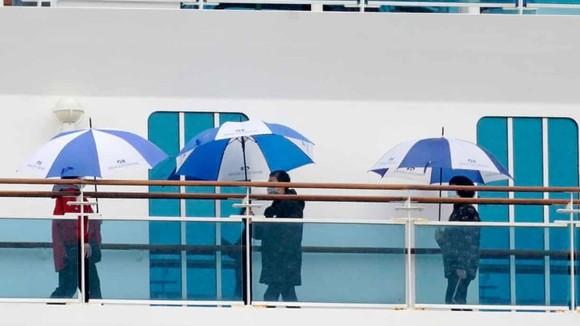 Thêm 70 người nhiễm Covid-19 trên du thuyền Diamond Princess ảnh 1