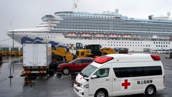 Tàu du lịch Diamond Princess đã ghi nhận thêm 70 trường hợp nhiễm Covid-19. Ảnh: EPA