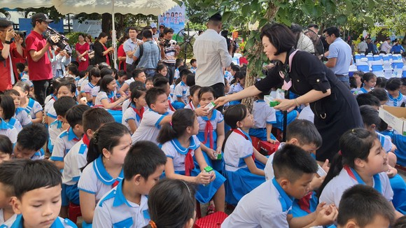 Quảng Nam, hơn 33.000 trẻ em tiếp cận chương trình sữa học đường ảnh 2