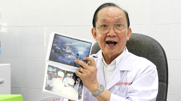Dấu ấn y tế Việt Nam qua những ca đại phẫu thuật - Bài 2: 15 giờ làm nên kỳ tích ảnh 1