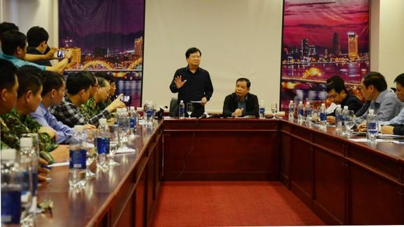 Bão số 9 càn quét các tỉnh miền Trung, hàng trăm nhà dân tốc mái ảnh 7
