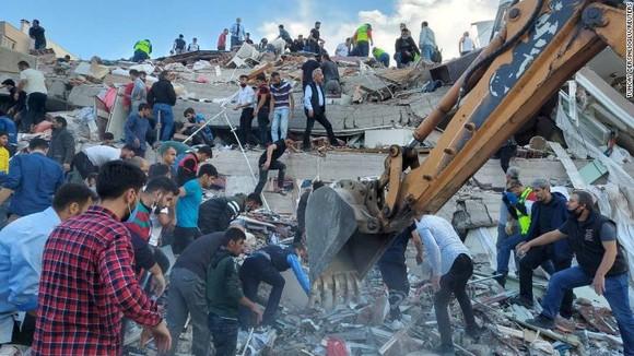 Ít nhất 22 người thiệt mạng do động đất ở Thổ Nhĩ Kỳ và Hy Lạp ảnh 3