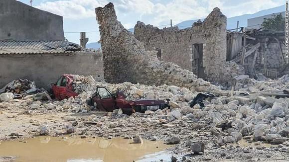 Ít nhất 22 người thiệt mạng do động đất ở Thổ Nhĩ Kỳ và Hy Lạp ảnh 4