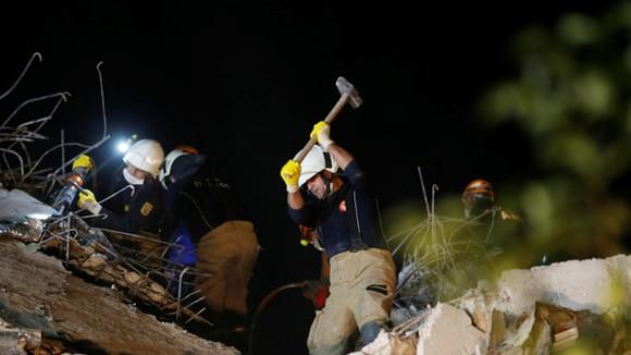 Ít nhất 22 người thiệt mạng do động đất ở Thổ Nhĩ Kỳ và Hy Lạp ảnh 7