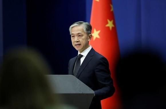 Người phát ngôn Bộ Ngoại giao Trung Quốc Vương Văn Bân gửi lời chúc mừng ông Biden vì giành chiến thắng trong cuộc bầu cử Mỹ 2020. Ảnh: REUTERS