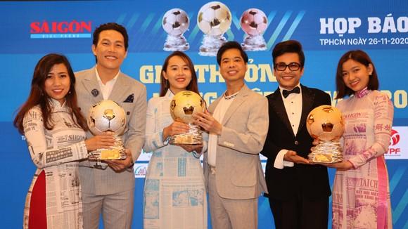 Nghệ sĩ và tình yêu với Quả bóng vàng Việt Nam ảnh 5