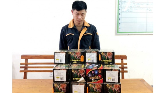 Khởi tố đối tượng Phan Ngọc Linh về hành vi buôn bán pháo. Ảnh: CA.