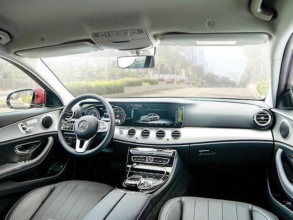Lựa chọn sedan hạng sang với 2 tỷ đồng ảnh 1