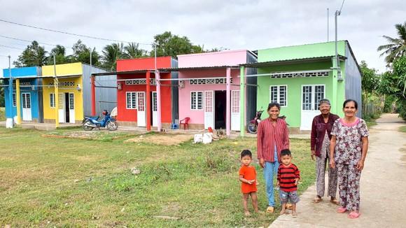 """""""Sắc màu phum sóc"""" đến 30 hộ dân Khmer ảnh 1"""