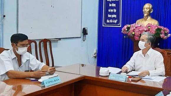 Phó Chủ tịch UBND TPHCM Ngô Minh Châu tiếp công dân, giải quyết vụ việc khiếu nại  của ông Trần Công Vinh, ngụ phường 3 (quận 8)