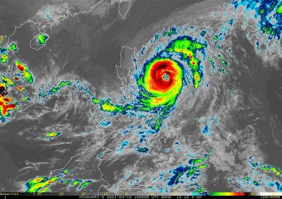 Philippines cảnh báo bão Surigae mạnh lên thành siêu bão ảnh 1