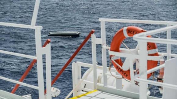 130 người di cư thiệt mạng trong vụ đắm tàu ở Libya  ảnh 1