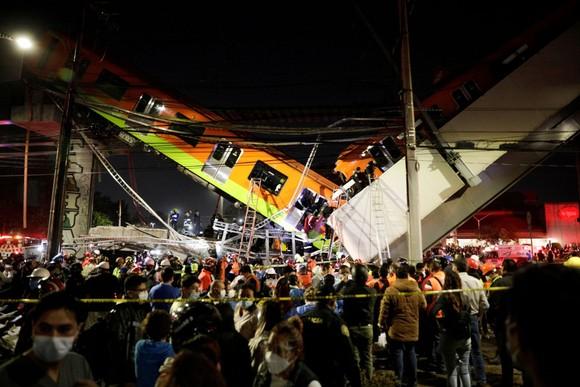 Sập đường sắt trên cao tại Mexico, ít nhất 23 người thiệt mạng ảnh 7