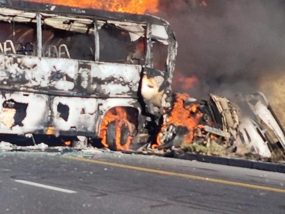 Nam Phi: Va chạm xe bồn chở hóa chất, hàng chục người thương vong ảnh 3