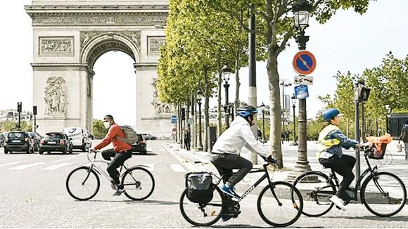 Xe đạp được sử dụng phổ biến tại Paris (Pháp)
