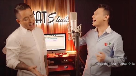 Tuấn Hưng và Khắc Việt hát Sài Gòn ơi! Xin lỗi, cảm ơn