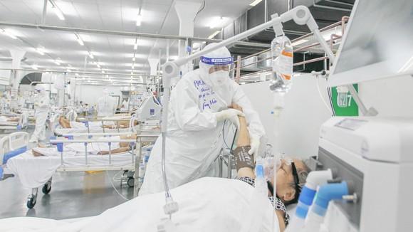 Cán bộ, nhân viên y tế tử vong khi chống dịch: Xứng đáng được công nhận là liệt sĩ ảnh 1