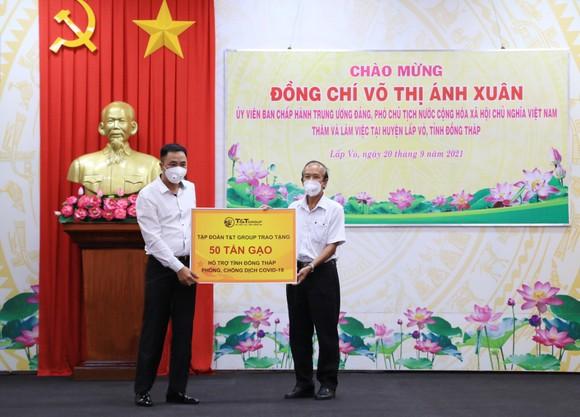 T&T Group trao tặng 140.000 bộ kit test nhanh Covid-19 và 150 tấn gạo hỗ trợ một số tỉnh phía Nam chống dịch ảnh 2
