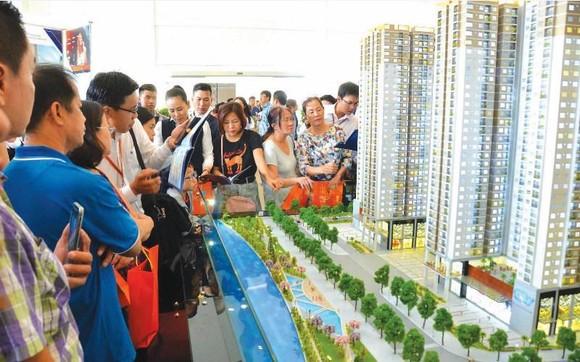 Tín dụng bất động sản dồn về Hà Nội và TPHCM