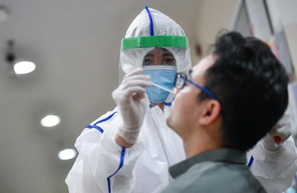 TPHCM xét nghiệm Covid-19 khẩn cấp tất cả bệnh viện trong đêm