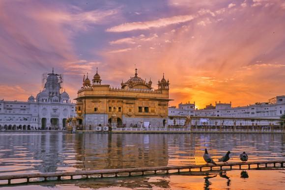 Harmandir Sahib, hay còn gọi là Đền Vàng ở Ấn Độ