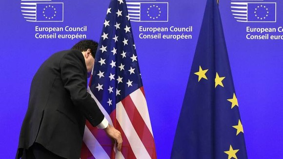 The draft policy proposals, entitled 'a new EU-US agenda for global change', includes an appeal for the EU and US to bury the hatchet on persistent sources of transatlantic tension © John Thys/AFP