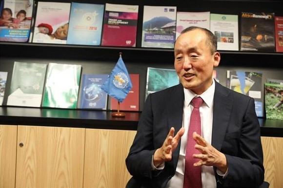 Tiến sĩ Kidong Park, Trưởng Đại diện Tổ chức Y tế Thế giới (WHO) tại Việt Nam.