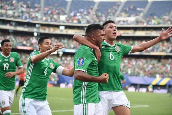 Các cầu thủ trẻ Mexico có màn trình diễn ấn tượng trước El Salvador.