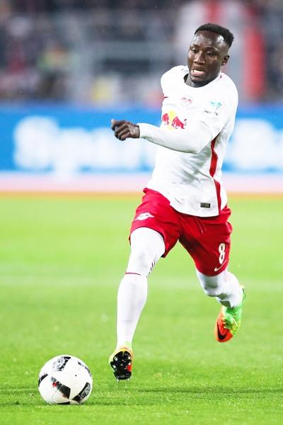 Tiền vệ Naby Keita chỉ có thể rời RB Leipzig vào mùa hè năm tới nếu như Liverpool vẫn còn quan tâm.