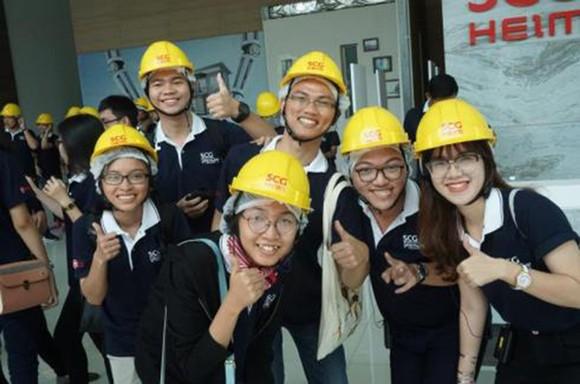 Sinh viên Việt Nam trong chuyến thực tập tại Thái Lan