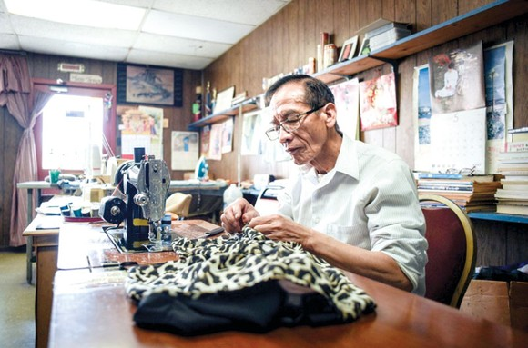 Một thợ may ở Village de l'Est