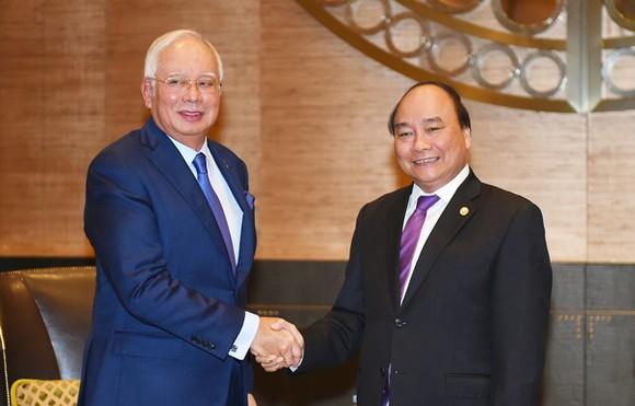 Thủ tướng Nguyễn Xuân Phúc và Thủ tướng Malaysia Najib Razak. Ảnh: VGP