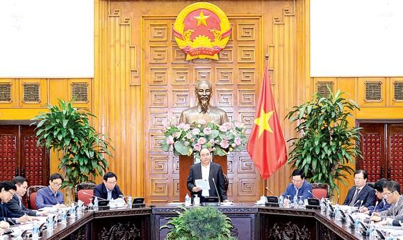 Thủ tướng Nguyễn Xuân Phúc phát biểu tại cuộc họp về phát triển hạ tầng