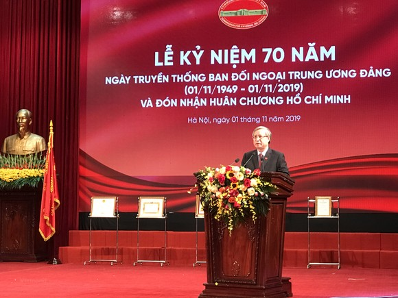 Đồng chí Trần Quốc Vượng phát biểu tại buổi lễ. Ảnh: Vietnam+