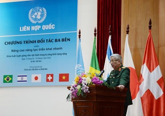 Thượng tướng Nguyễn Chí Vịnh phát biểu tại lễ khai mạc. Ảnh: Quân đội Nhân dân