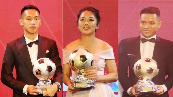 Hùng Dũng, Huỳnh Như và Trần Văn Vũ đoạt Quả bóng vàng Việt Nam 2019. Ảnh: DŨNG PHƯƠNG