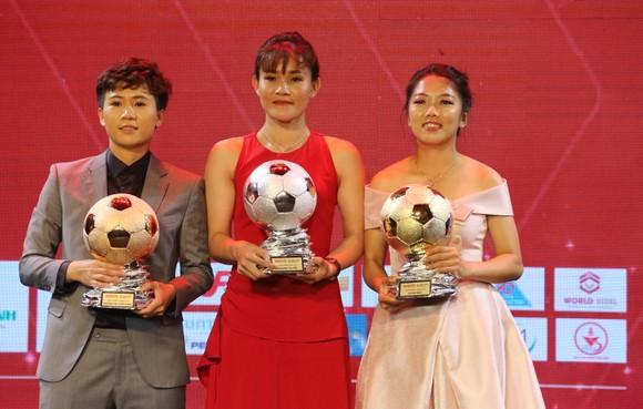 Đỗ Hùng Dũng, Huỳnh Như, Trần Văn Vũ đoạt Quả bóng Vàng Việt Nam 2019 ảnh 10